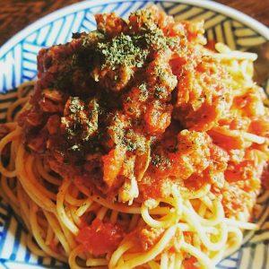 簡単レシピ♪さばの味噌煮トマトパスタ